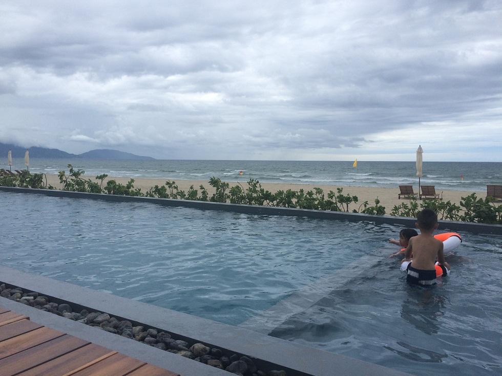 Bãi tắm biển Cocobay Đà Nẵng